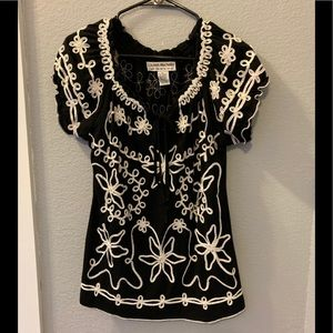 Lauren Michelle top embroidered size L